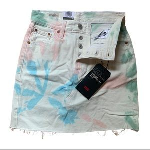 NWT! LEVI'S High Rise Button Fly Deconstruct Skirt